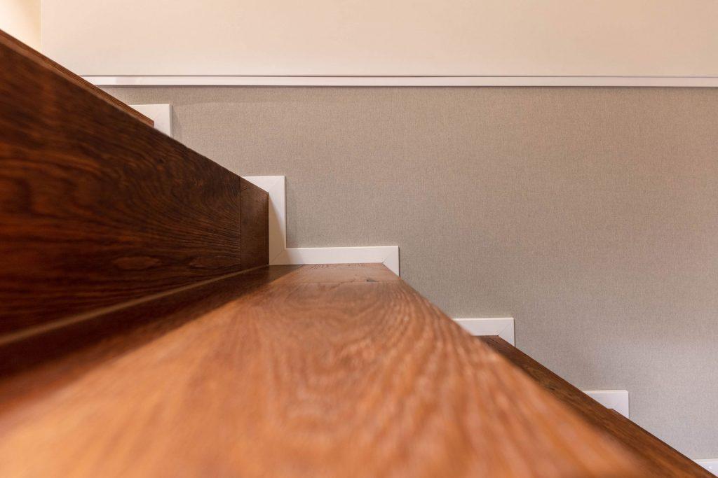 Scheuber Akustik Wandbespannung Detail Sockel