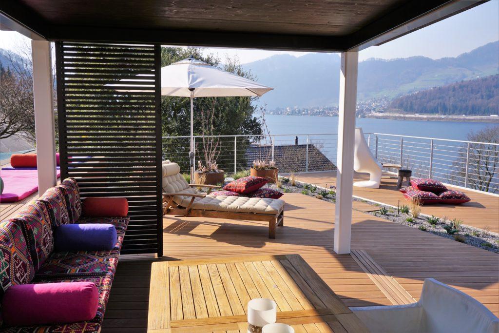 Terrasse mit Outdoor Kissen Scheuber AG Polsterei